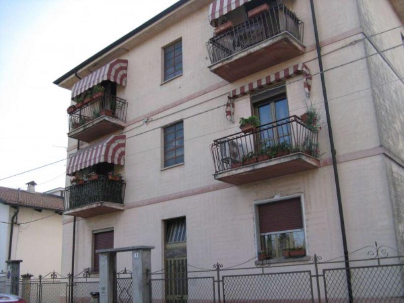 Appartamento in vendita a Grugliasco, 3 locali, prezzo € 98.000   Cambiocasa.it