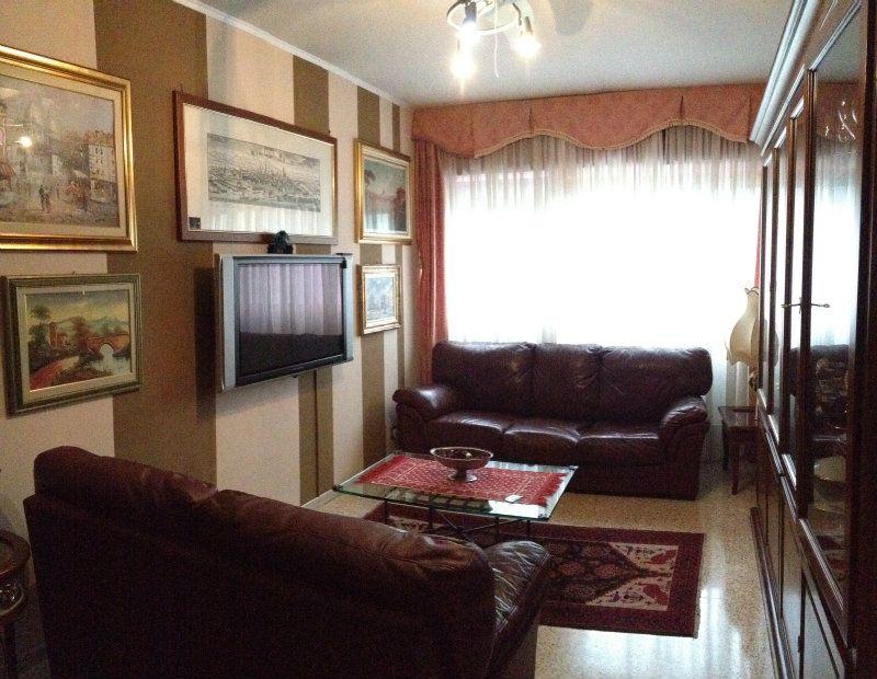 Appartamento in vendita a Grugliasco, 4 locali, prezzo € 123.000   Cambiocasa.it
