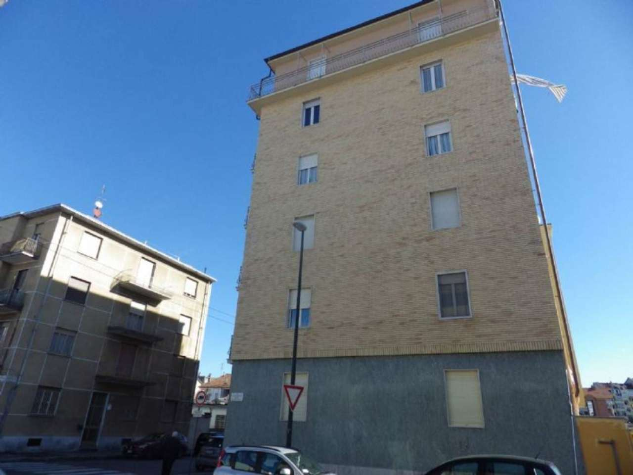Bilocale Torino Via Chambery 1