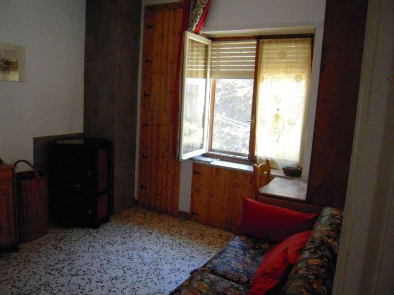 Bilocale Cantoira Via Torino 10
