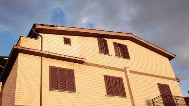 Appartamento in vendita a Mentana, 3 locali, prezzo € 139.000 | Cambiocasa.it