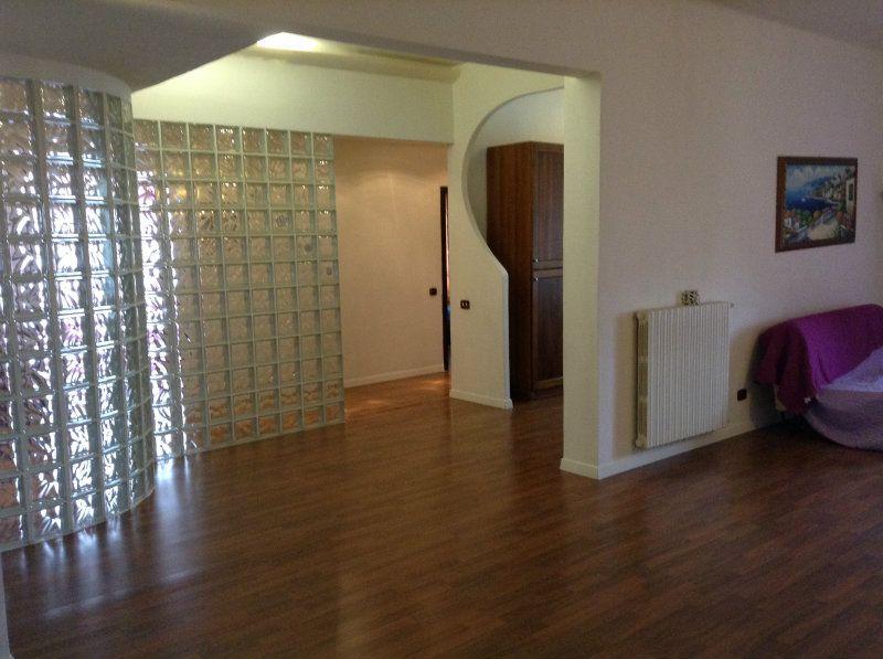 Appartamento in vendita a Mentana, 4 locali, prezzo € 174.000 | Cambiocasa.it