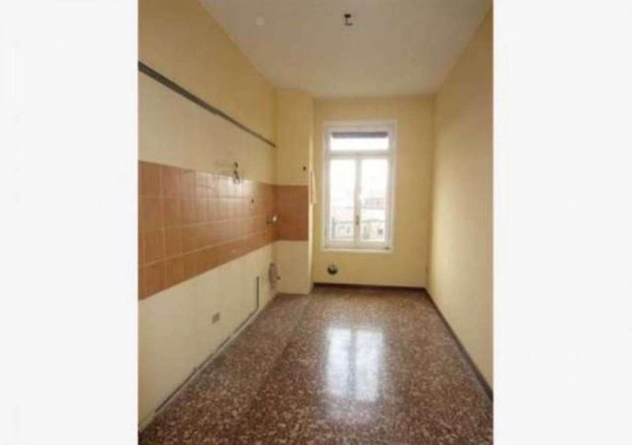 Bilocale Milano Via Fezzan 6