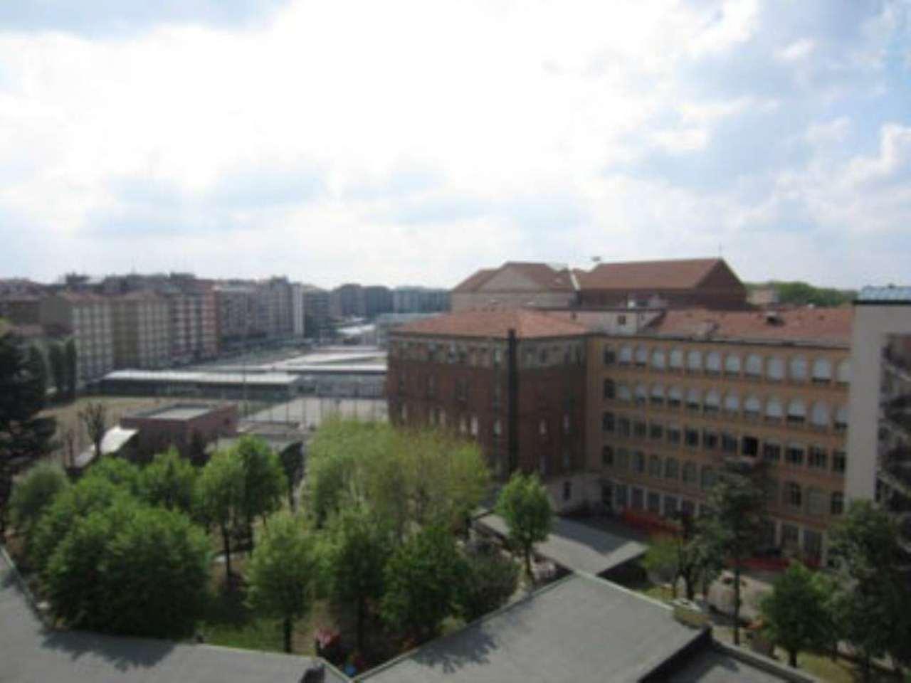 Bilocale Milano Via Fezzan 10