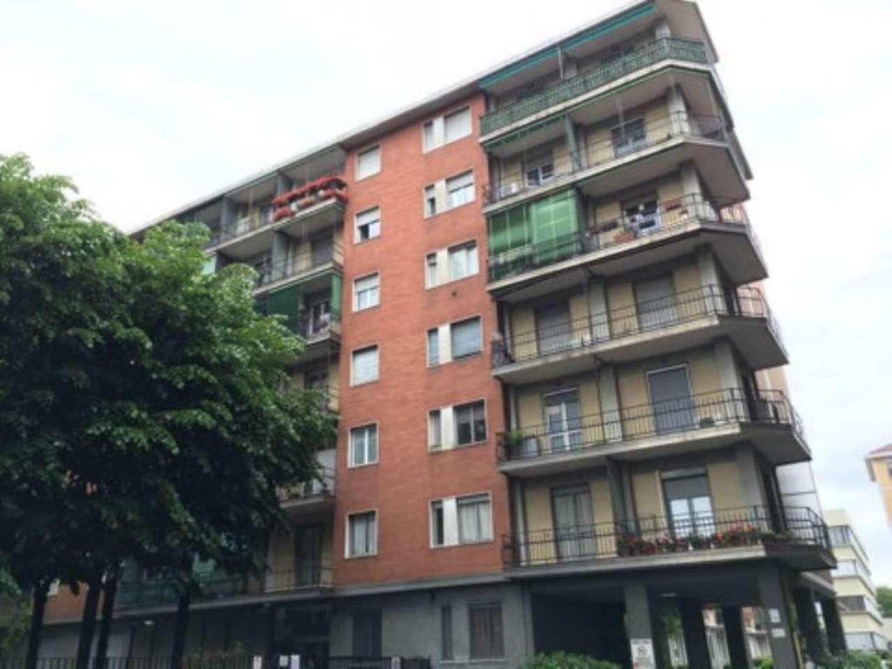 Bilocale Milano Via Marocchetti 1