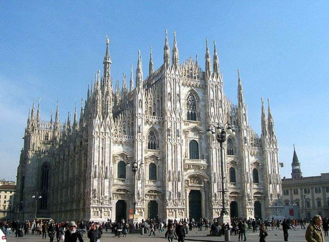 Bilocale Milano Corso Italia 3