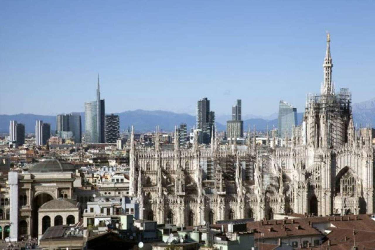 Bilocale Milano Corso Italia 11