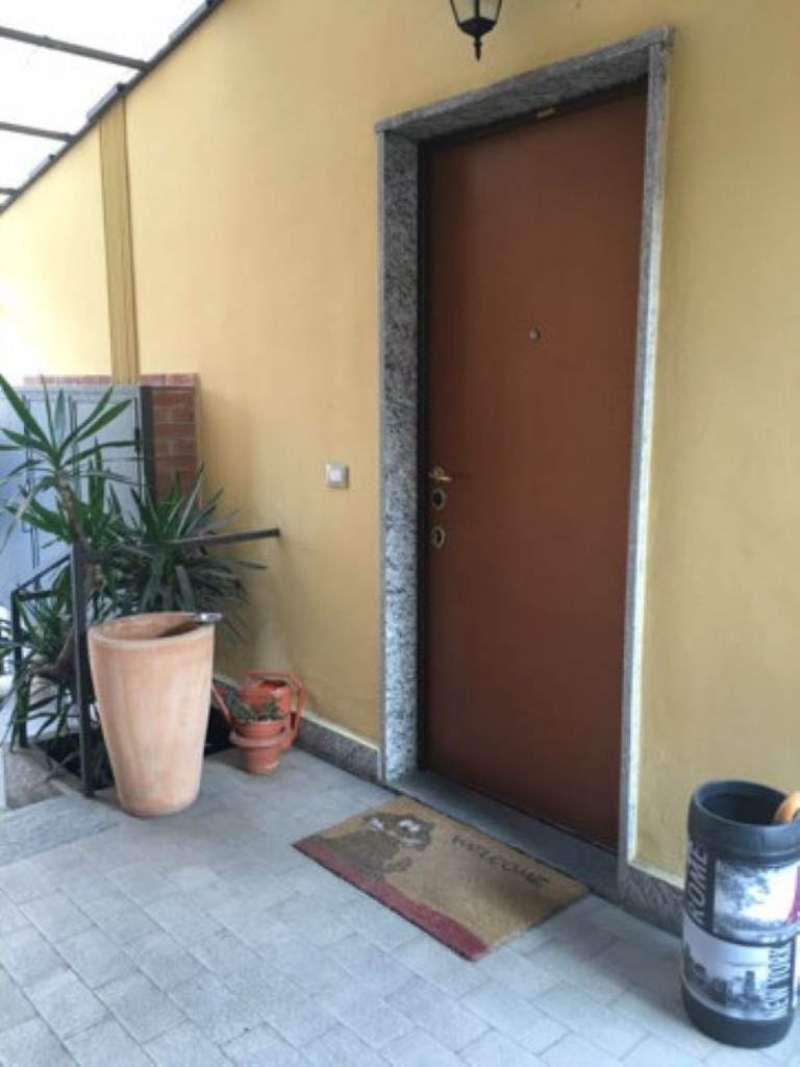 Bilocale Milano Via Fracastoro 12