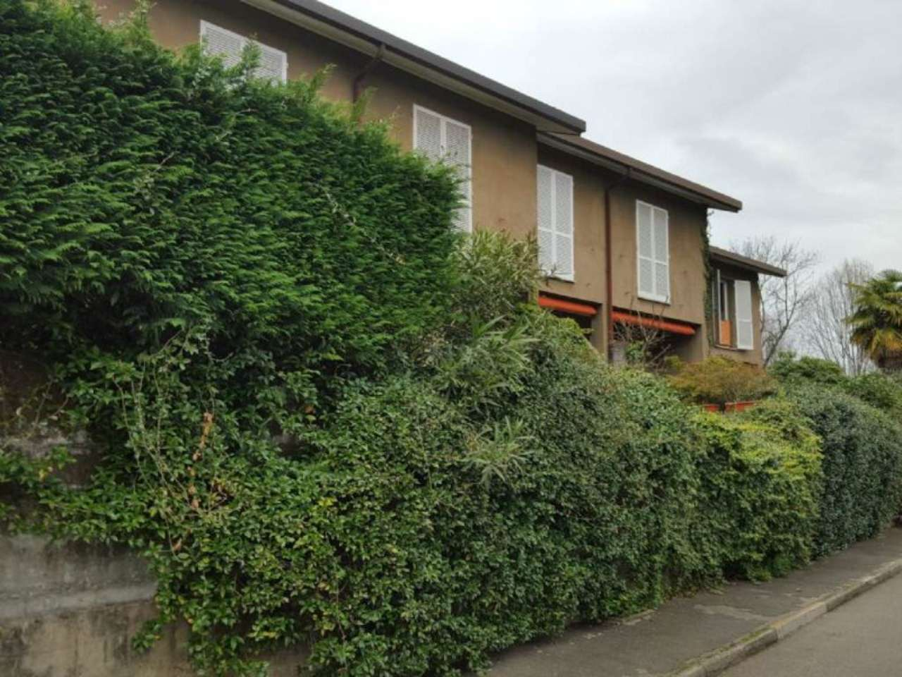 Villa a Schiera in affitto a Bregano, 3 locali, prezzo € 600 | Cambio Casa.it