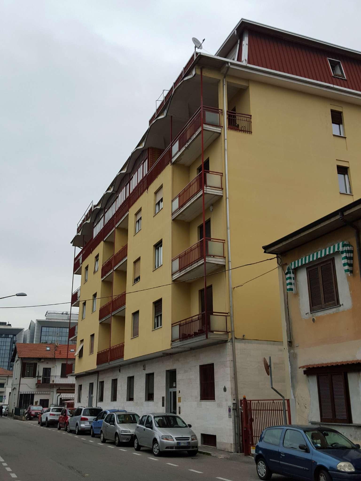 Appartamento in affitto a Gallarate, 2 locali, prezzo € 450 | Cambio Casa.it