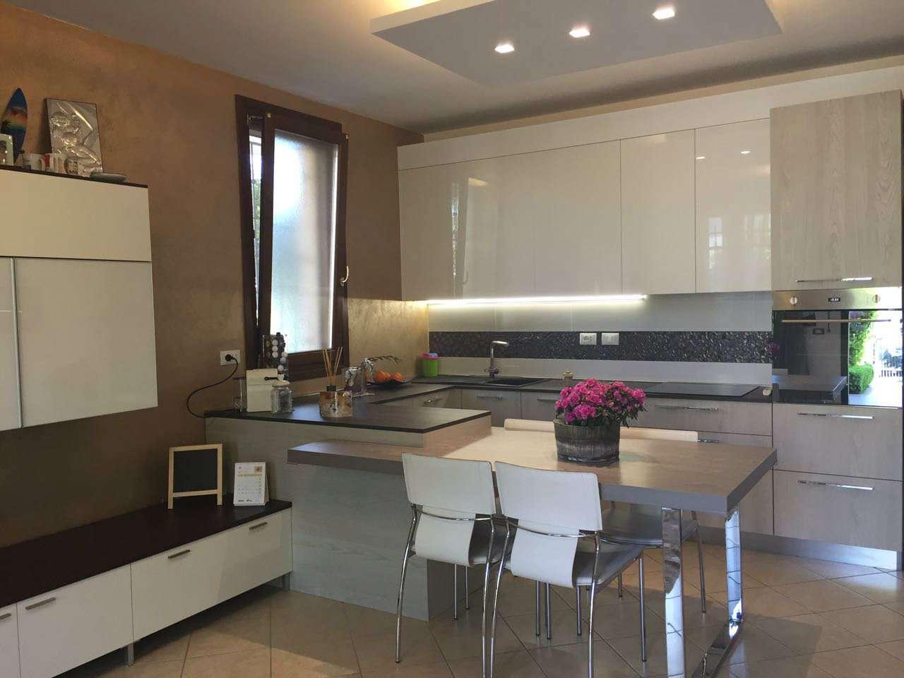 Appartamento in Vendita a Ravenna Periferia Est: 3 locali, 73 mq