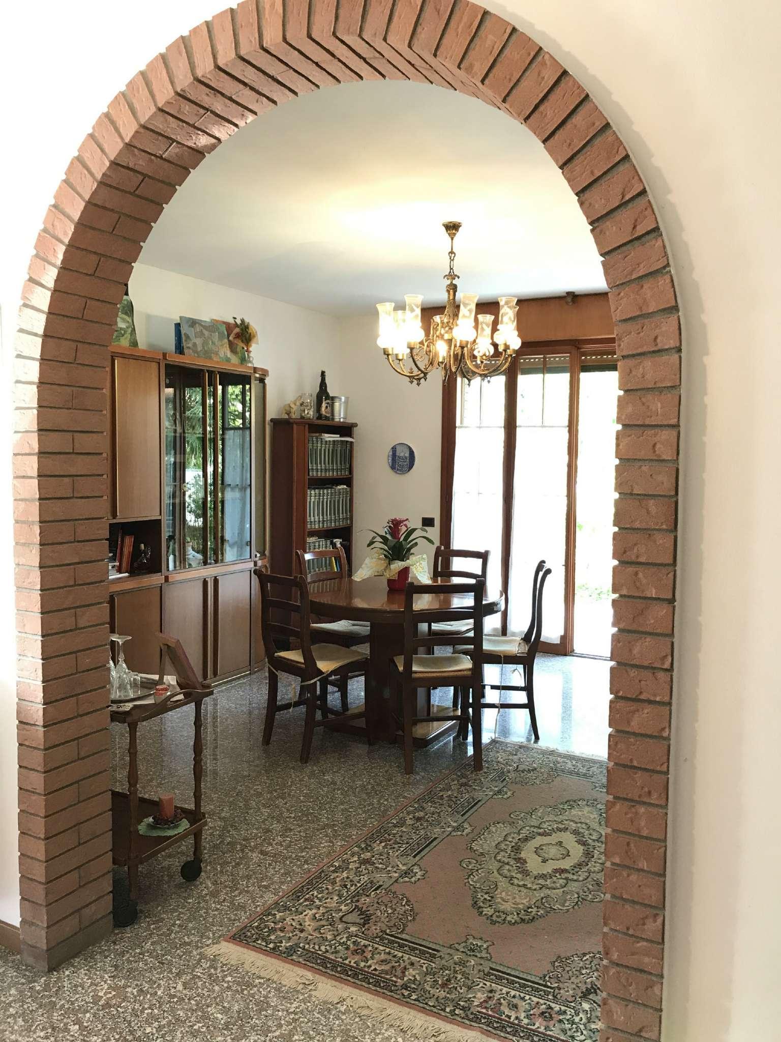 Casa indipendente in Vendita a Ravenna Periferia: 5 locali, 251 mq