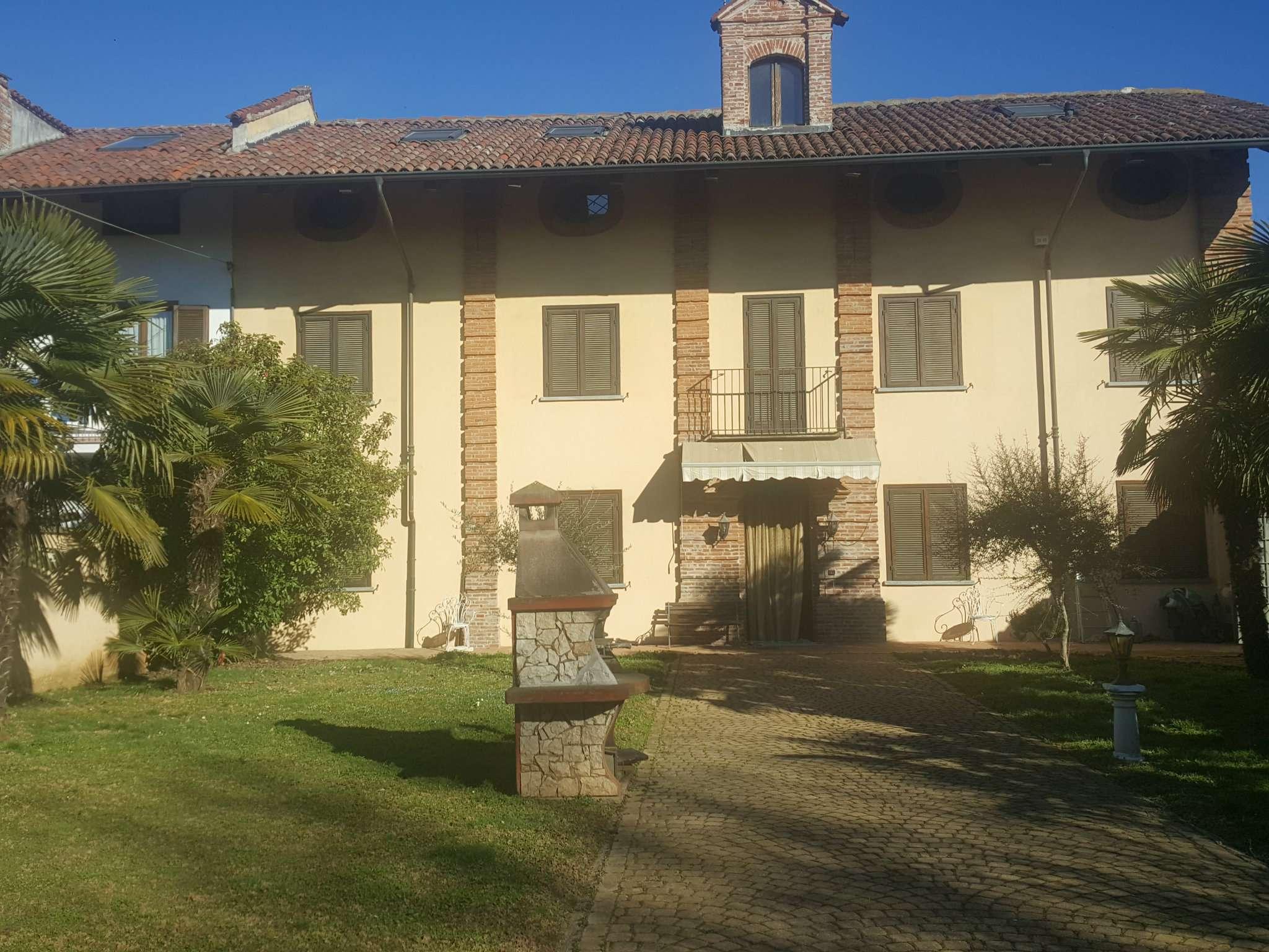 Rustico / Casale in vendita a Piossasco, 12 locali, prezzo € 360.000 | Cambio Casa.it