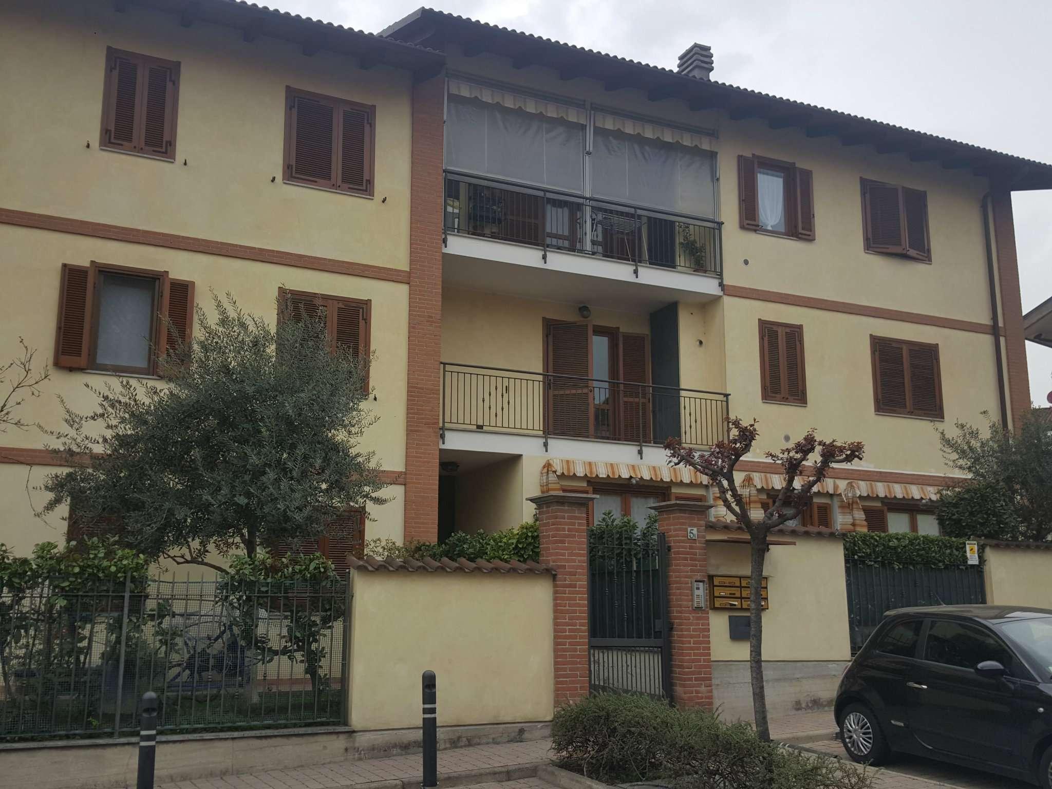 Appartamento in affitto a Beinasco, 2 locali, prezzo € 450 | CambioCasa.it