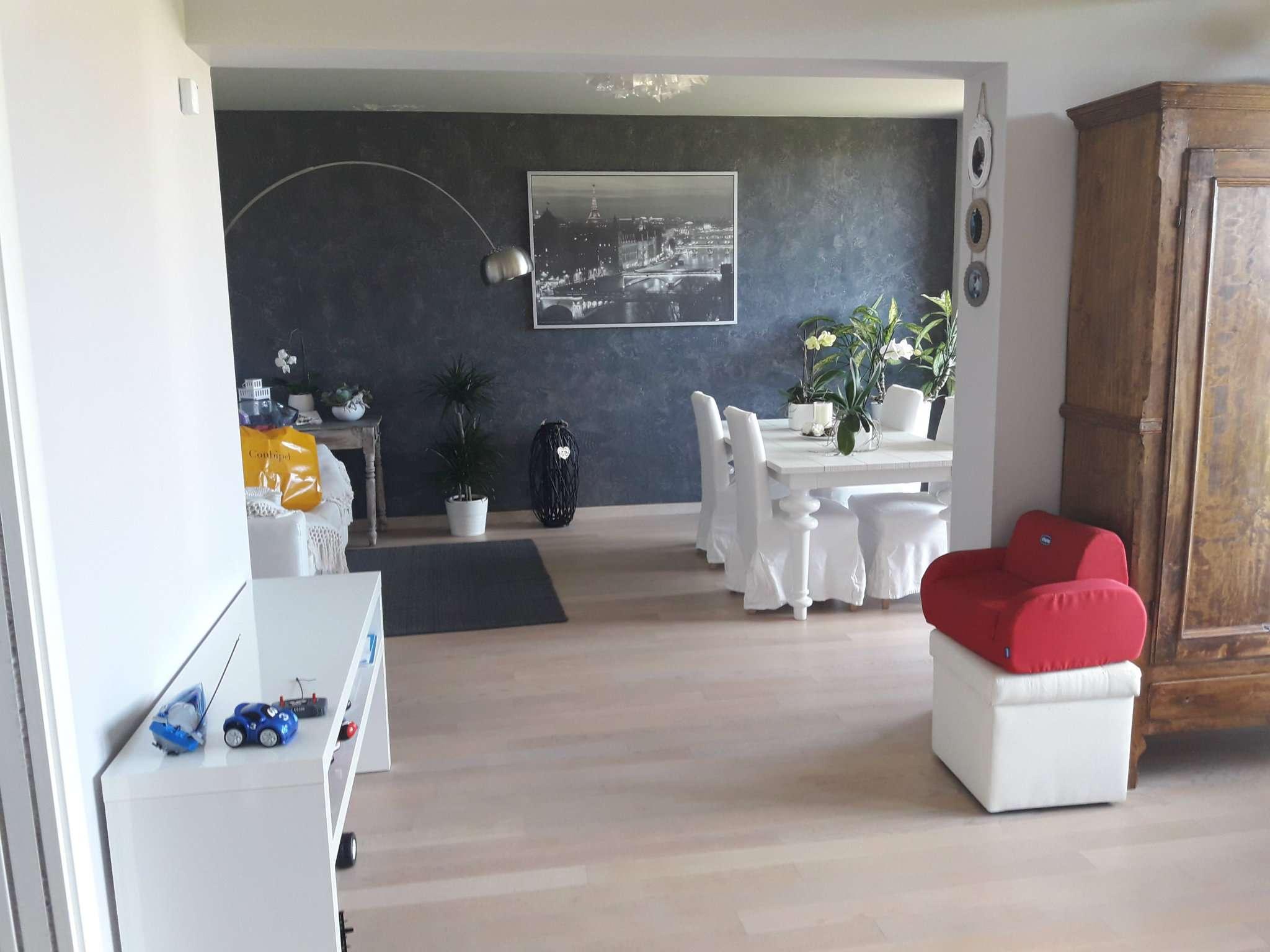 Appartamento in vendita a Volpiano, 6 locali, prezzo € 280.000 | CambioCasa.it