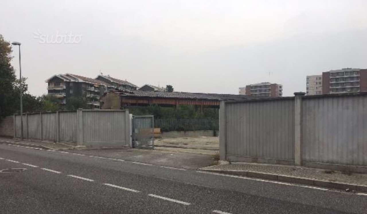 Immagine immobiliare CAPANNONE DI 700 MQ - ZONA GERBIDO € 4270,00 - zona Gerbido - Corso Tazzoli - a due passi dall imbocco della tangenziale - vicinanze Via Crea - si propone in locazione capannone del 1990 completamente rivisto nelle parti comuni nel...