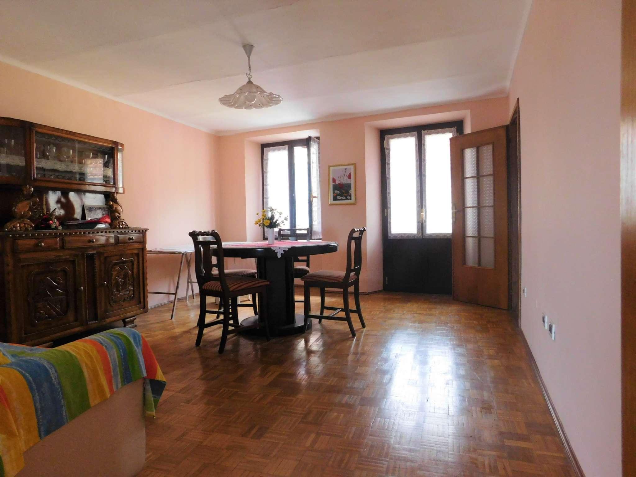 Appartamento in vendita via Tagna Lanzo Torinese