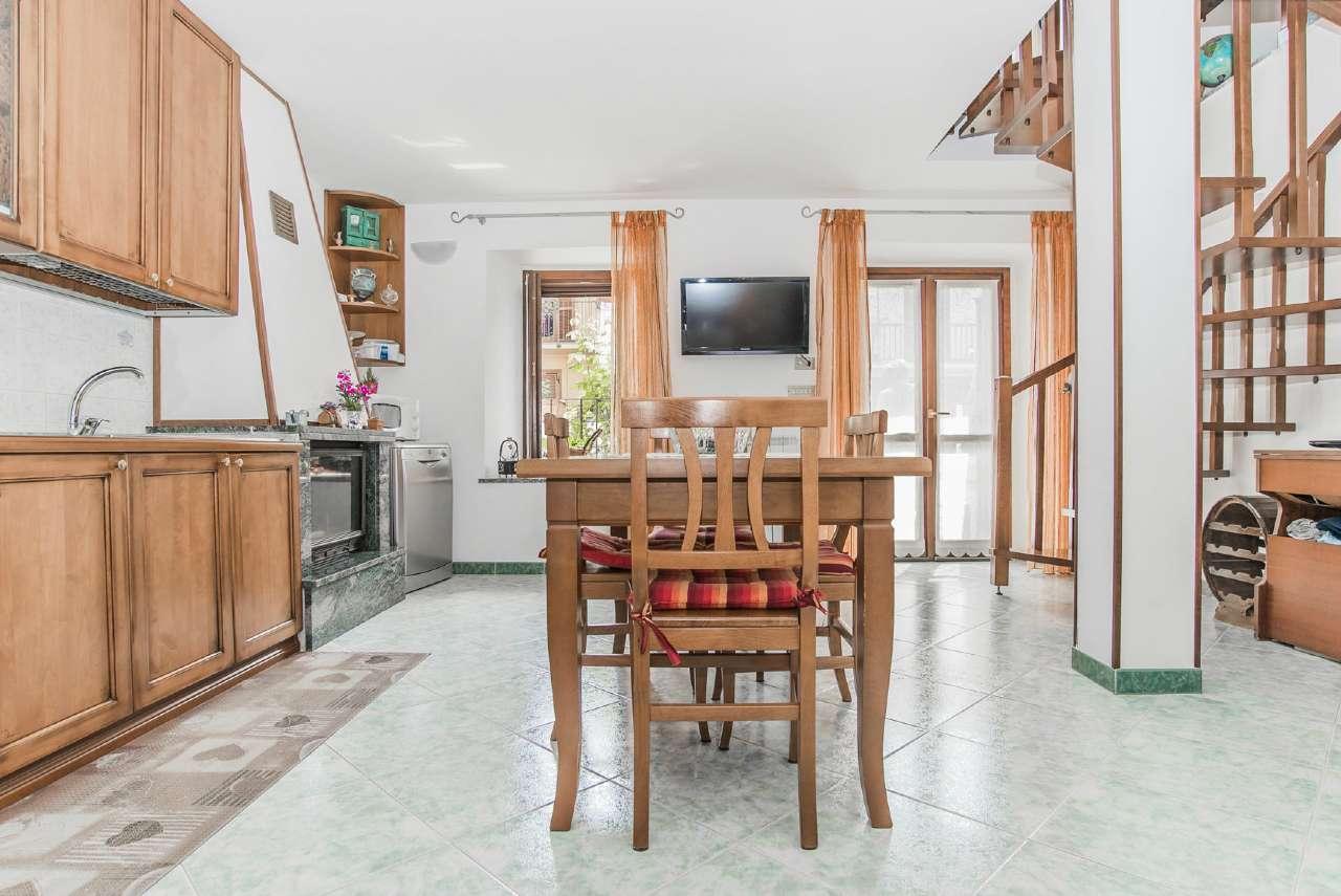 Casa Indipendente in vendita piazza via balzetti Rivoli