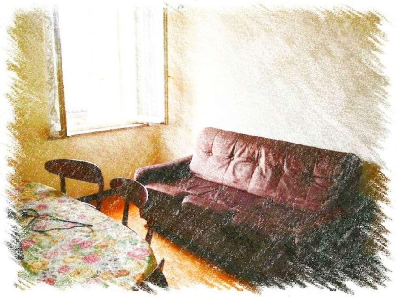 Appartamento in vendita a Sant'Ilario d'Enza, 3 locali, prezzo € 55.000 | Cambio Casa.it