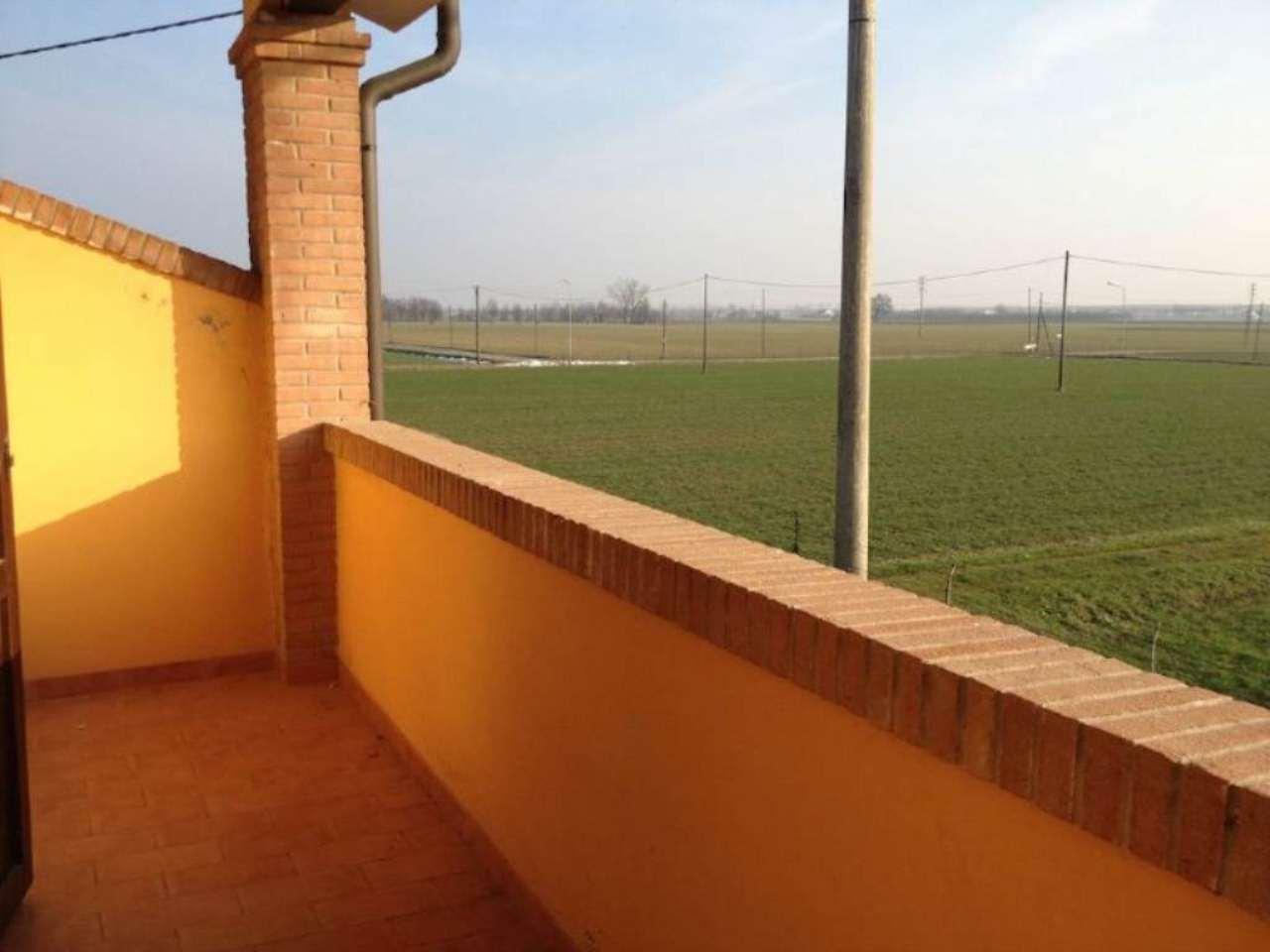 Soluzione Semindipendente in vendita a Castelnovo di Sotto, 4 locali, prezzo € 190.000 | Cambio Casa.it