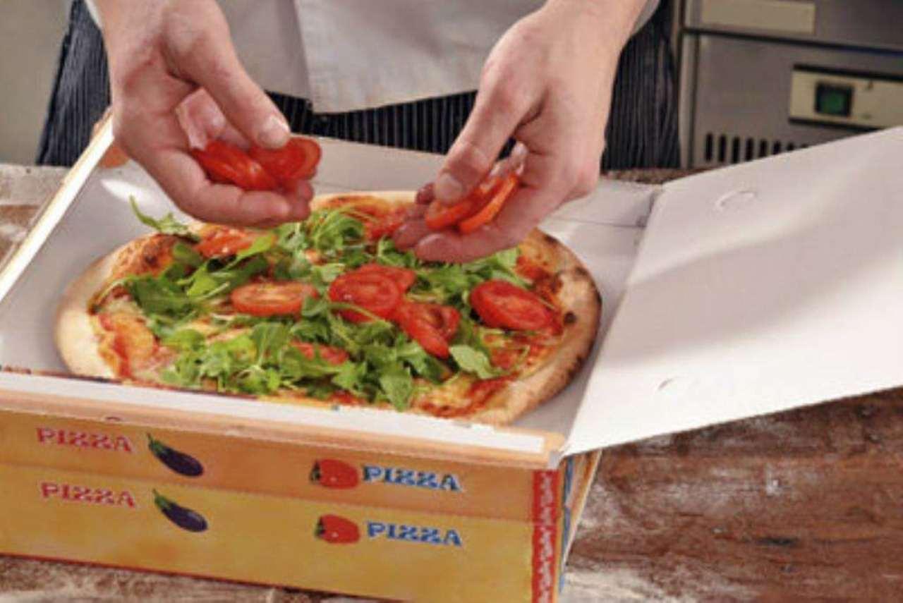 Ristorante / Pizzeria / Trattoria in vendita a Sant'Ilario d'Enza, 2 locali, prezzo € 80.000 | Cambio Casa.it
