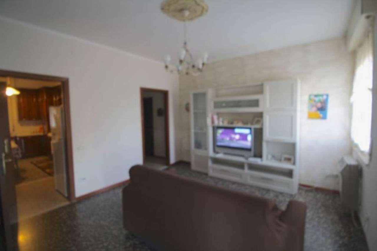Appartamento in vendita a Sant'Ilario d'Enza, 3 locali, prezzo € 84.000 | Cambio Casa.it