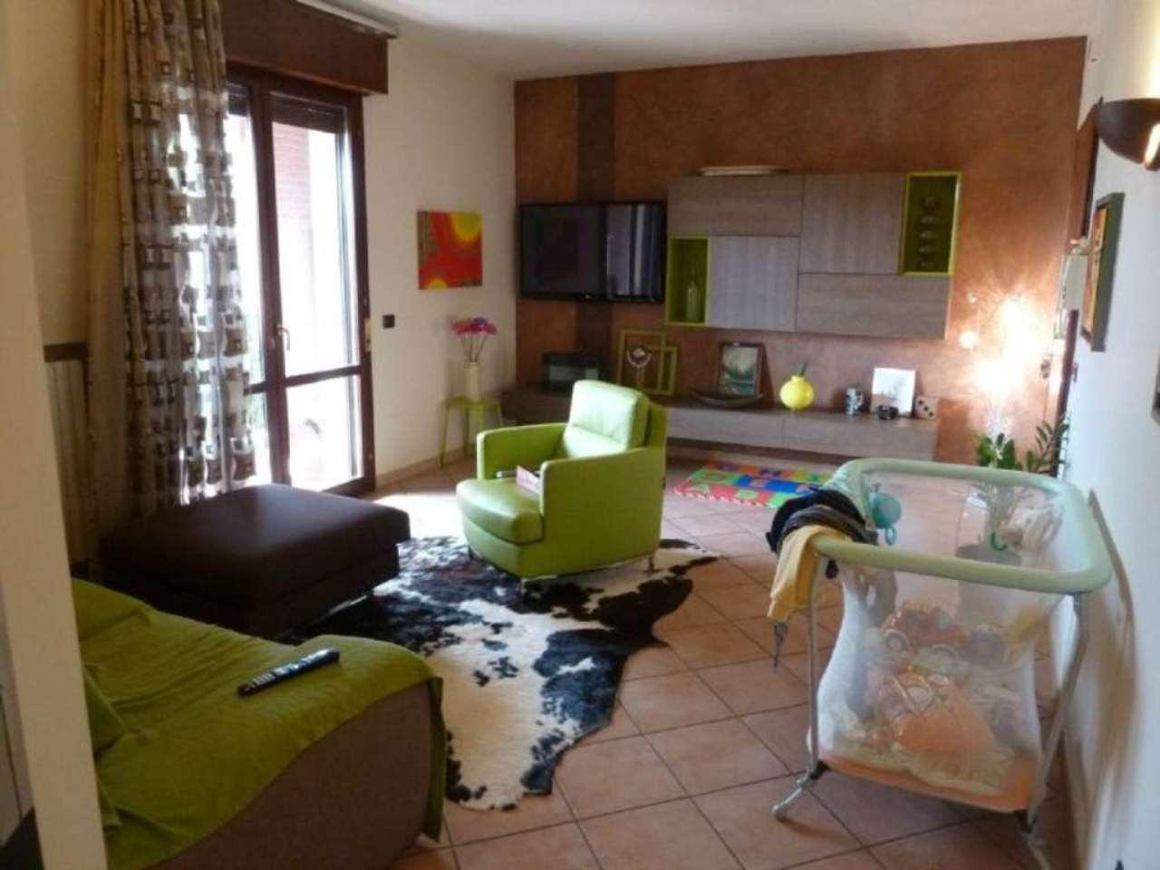 Appartamento in vendita a Sant'Ilario d'Enza, 3 locali, prezzo € 155.000 | Cambio Casa.it