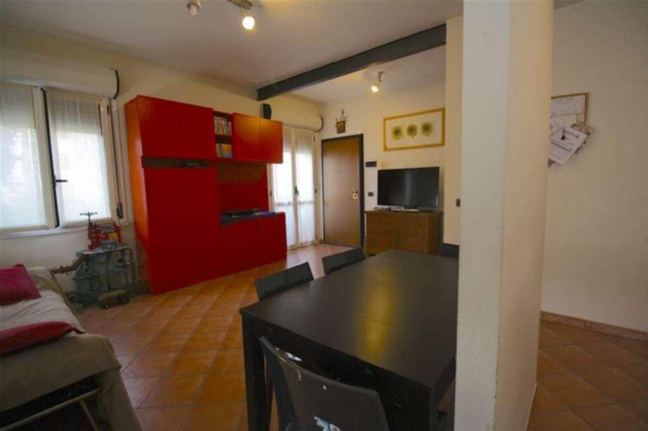 Appartamento in vendita a Sant'Ilario d'Enza, 4 locali, prezzo € 155.000 | Cambio Casa.it