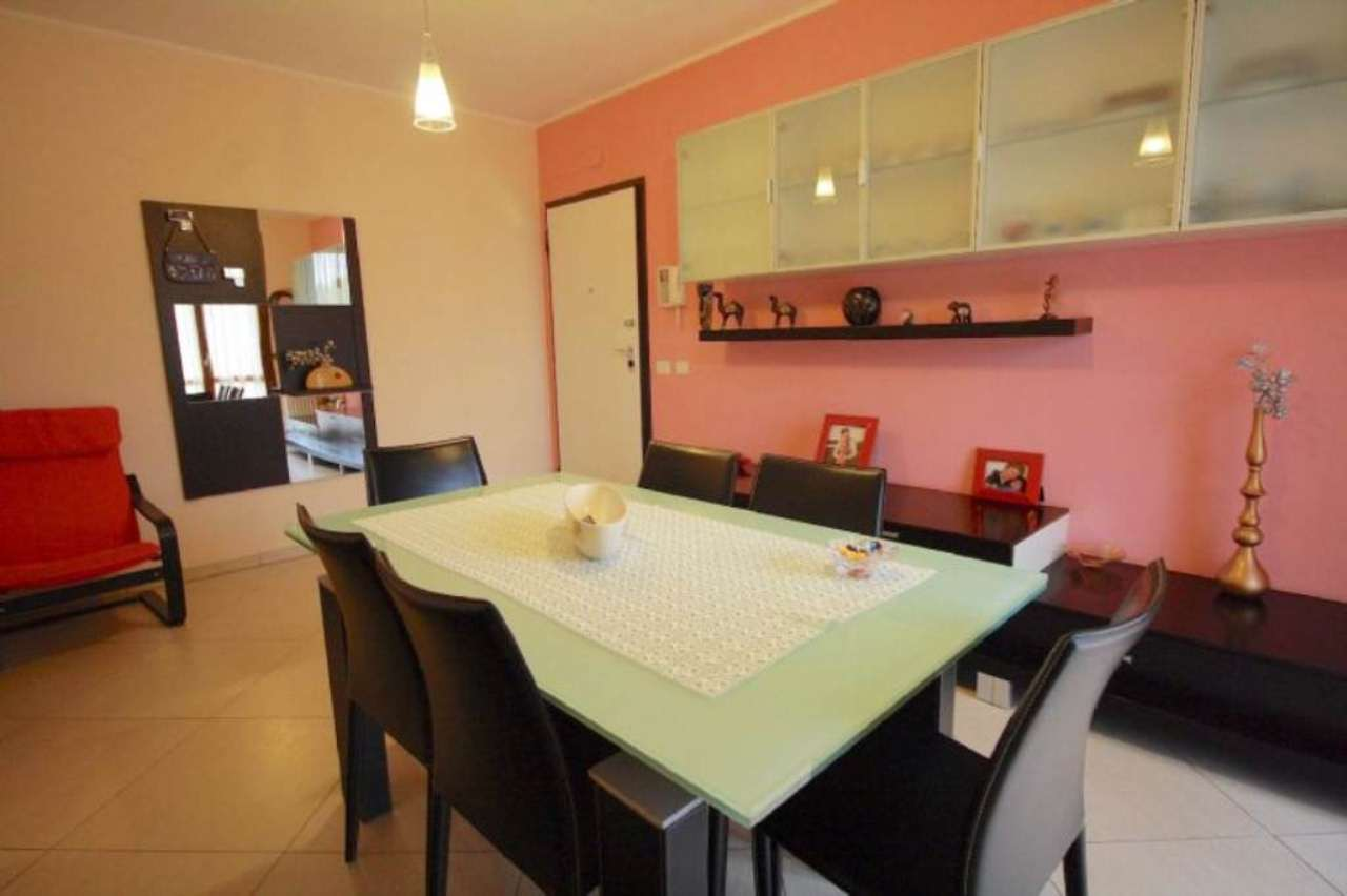 Appartamento in vendita a Sant'Ilario d'Enza, 4 locali, prezzo € 240.000 | Cambio Casa.it