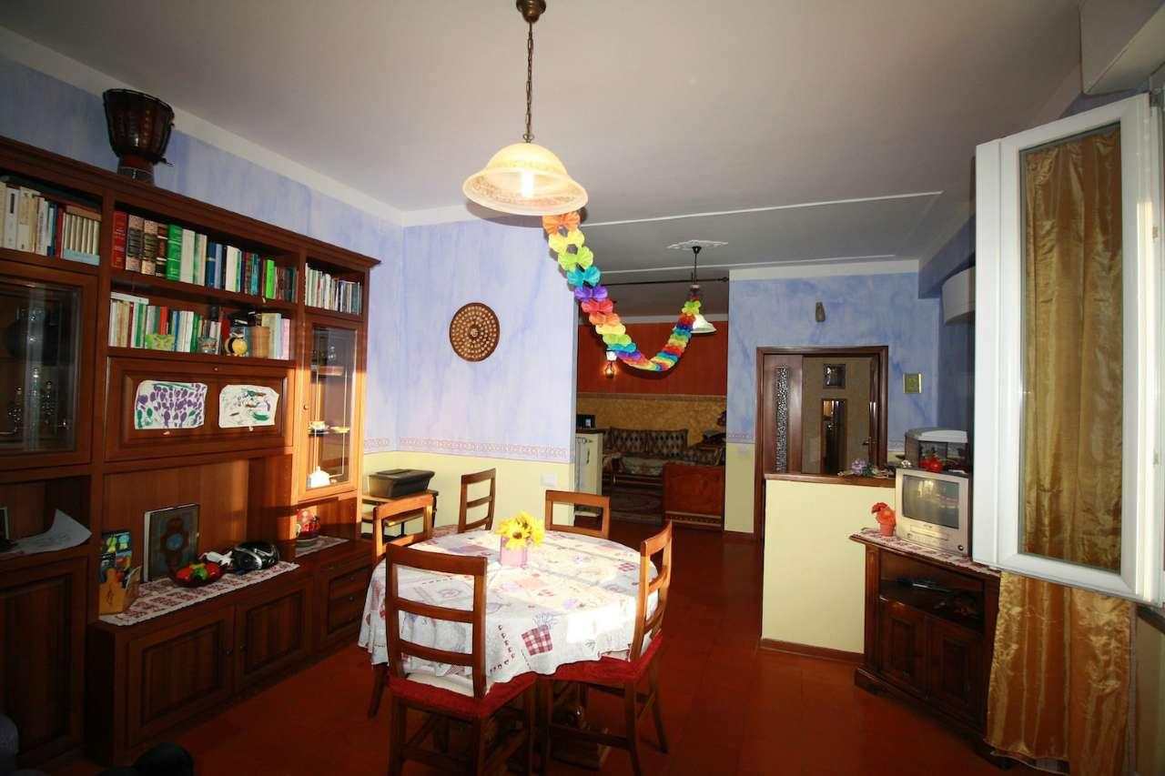 Appartamento in vendita a Bibbiano, 5 locali, prezzo € 110.000 | Cambio Casa.it