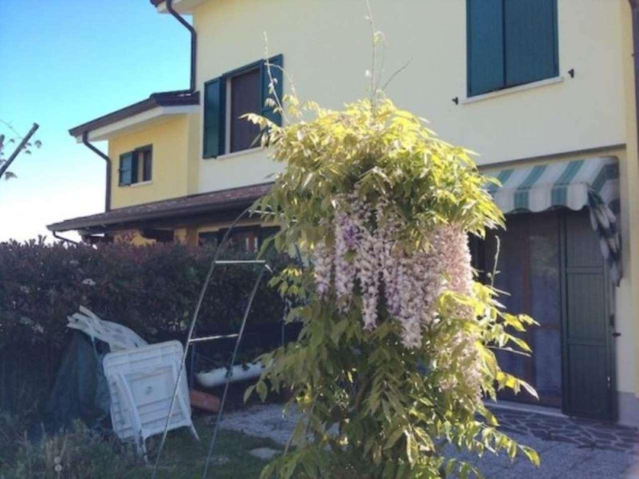 Villa a Schiera in vendita a Castelnovo di Sotto, 4 locali, prezzo € 210.000 | Cambio Casa.it