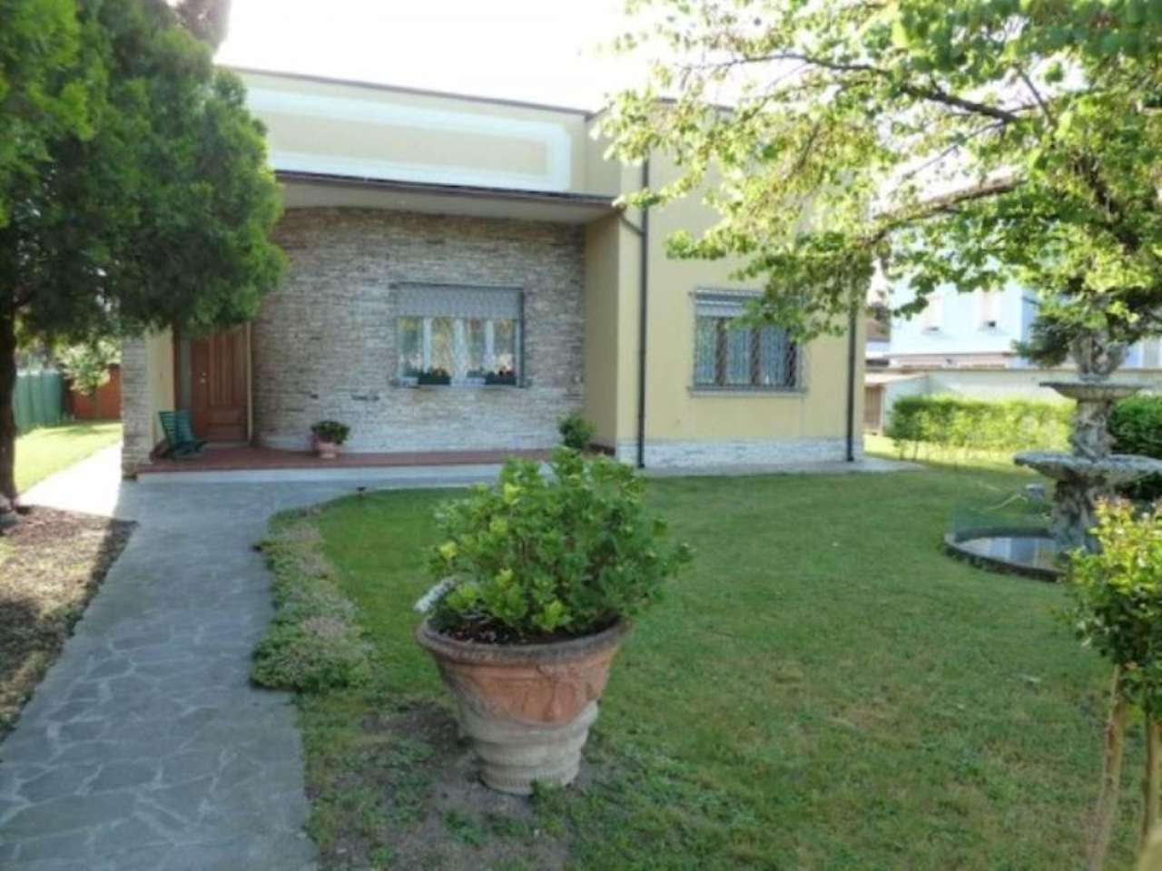 Villa in vendita a Gattatico, 6 locali, prezzo € 470.000 | Cambio Casa.it