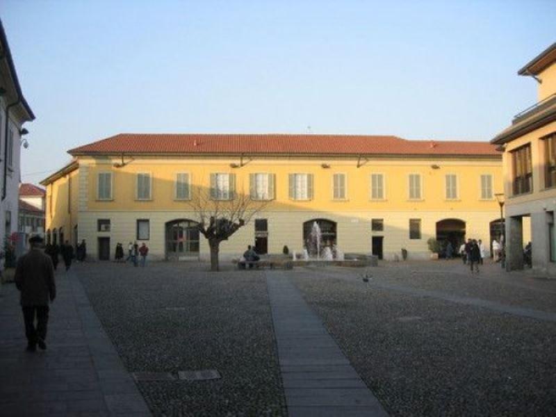 Negozio / Locale in vendita a Cernusco sul Naviglio, 2 locali, prezzo € 320.000 | Cambiocasa.it