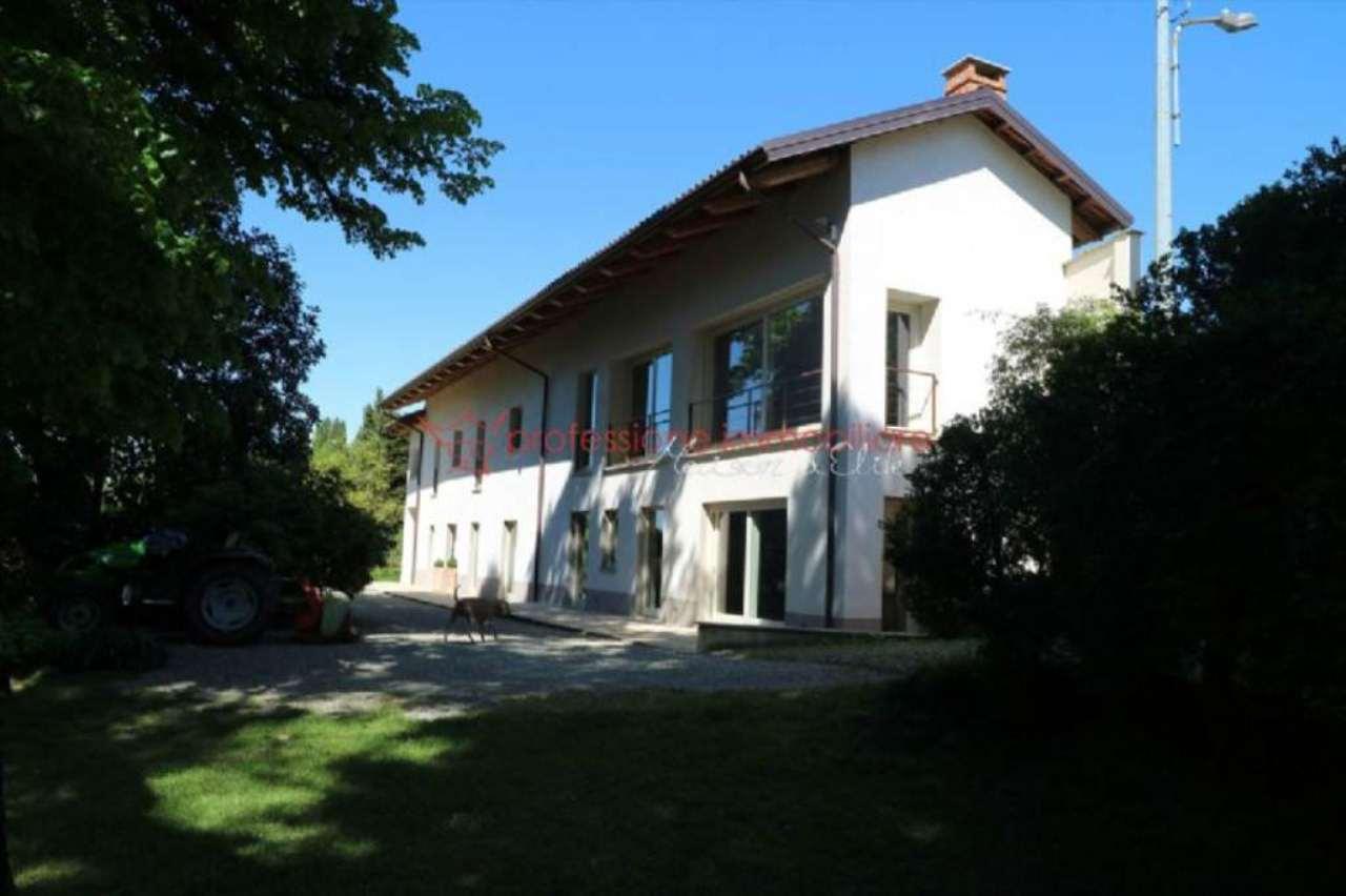 Rustico / Casale in vendita a Mazzè, 8 locali, prezzo € 850.000 | Cambio Casa.it