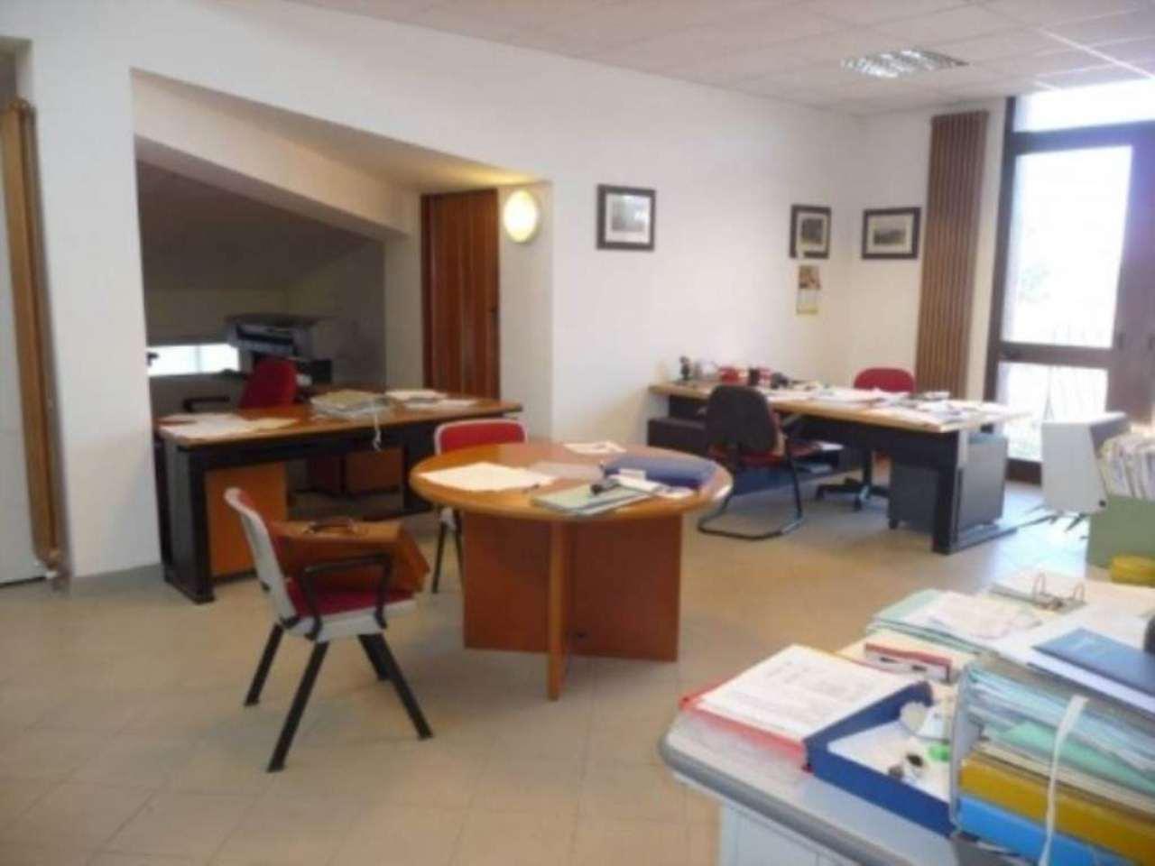 Ufficio / Studio in affitto a Varese, 1 locali, prezzo € 700   Cambio Casa.it