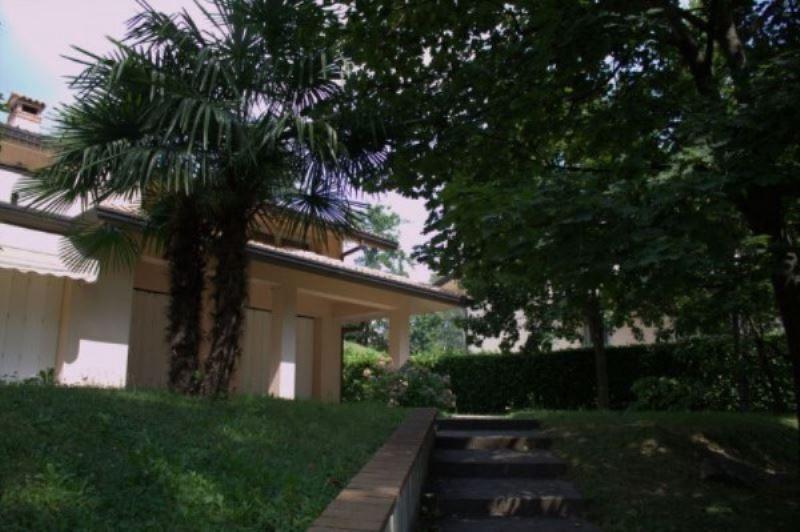 Villa in affitto a Varese, 6 locali, Trattative riservate | CambioCasa.it