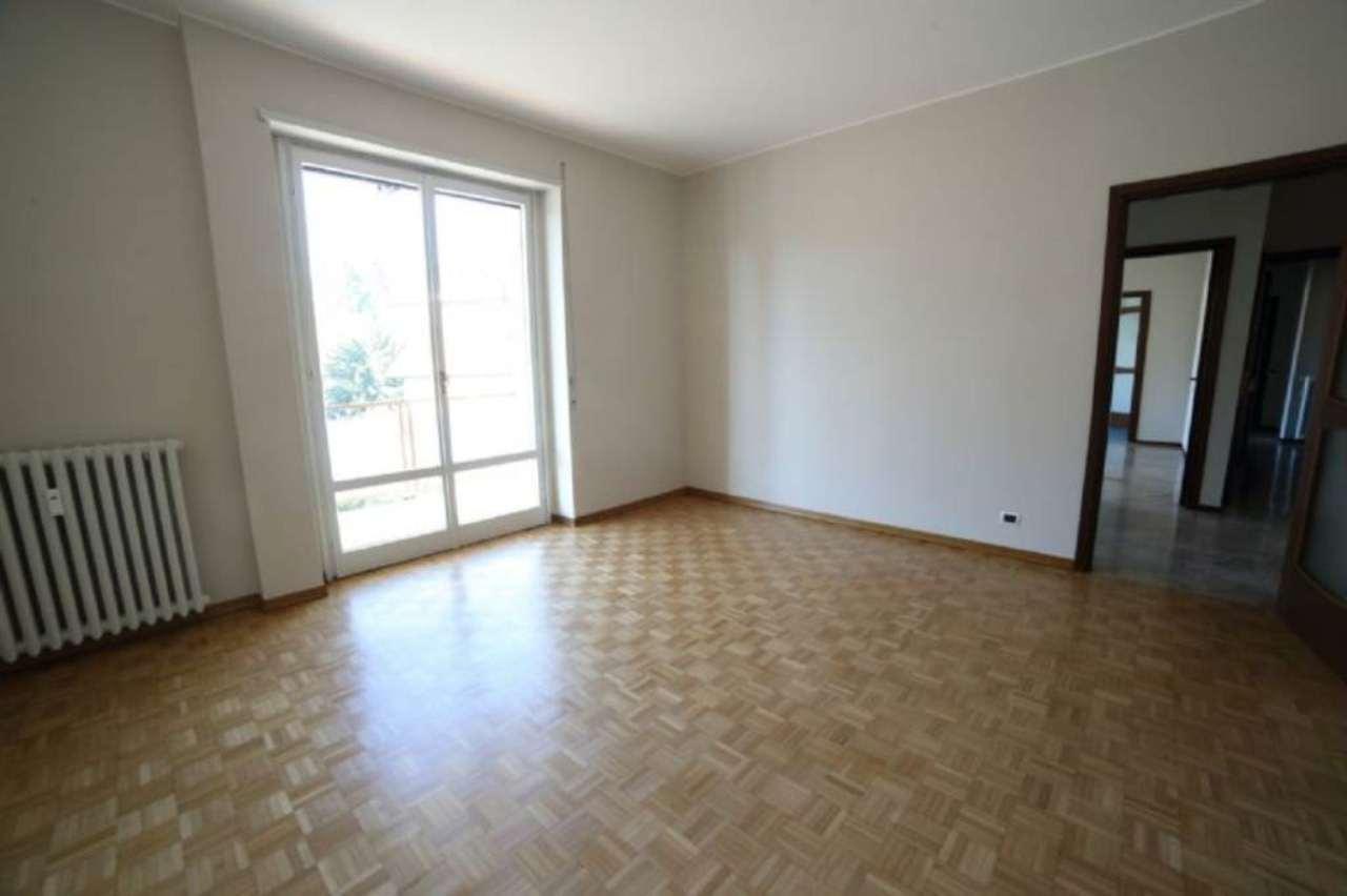 Appartamento in affitto a Varese, 4 locali, prezzo € 920 | Cambio Casa.it