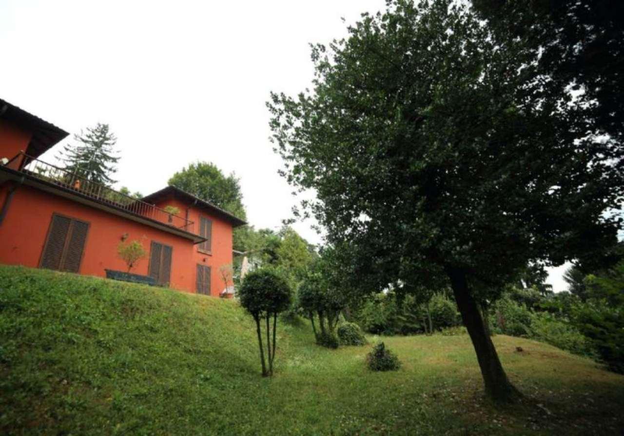 Villa in vendita a Luvinate, 6 locali, prezzo € 780.000 | Cambio Casa.it