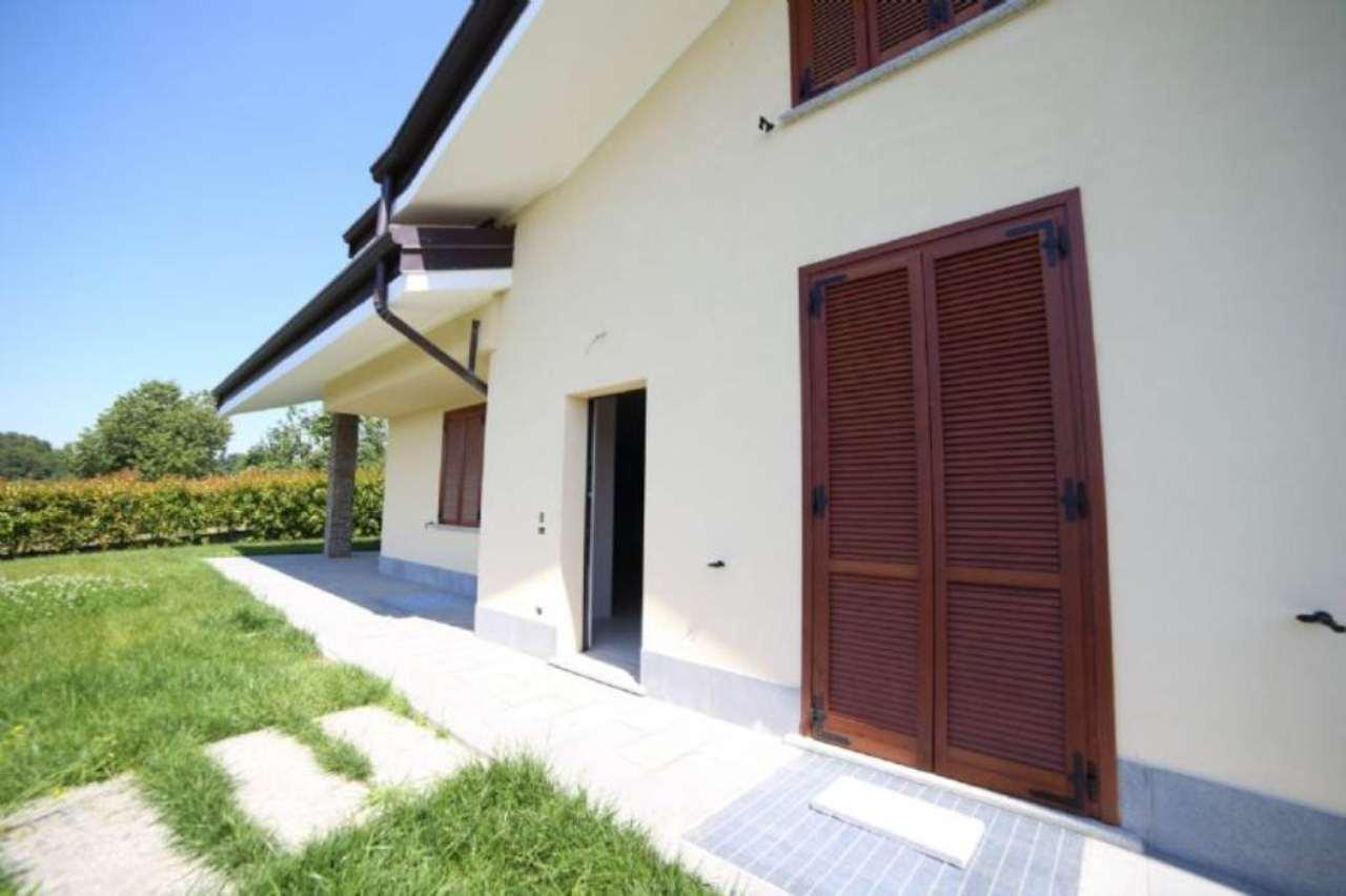 Villa in affitto a Varese, 5 locali, prezzo € 2.300 | CambioCasa.it