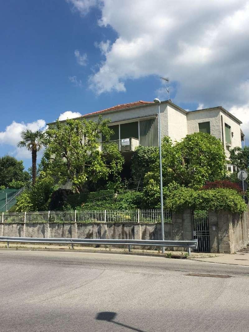 Foto 1 di Villa via TORINO 224, Castiglione Torinese