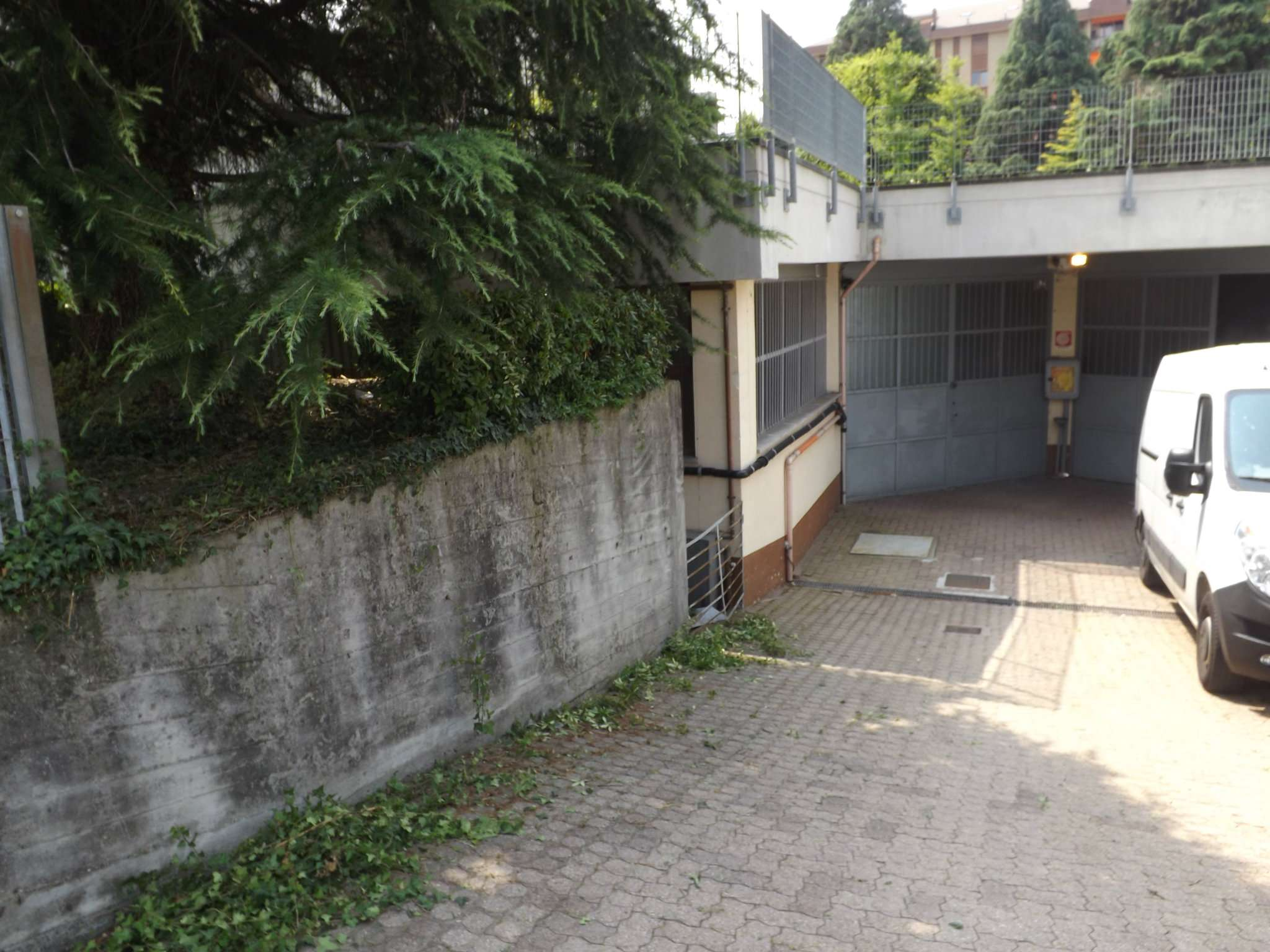 Magazzino/Laboratorio in affitto via Mongioie 13 Rivoli