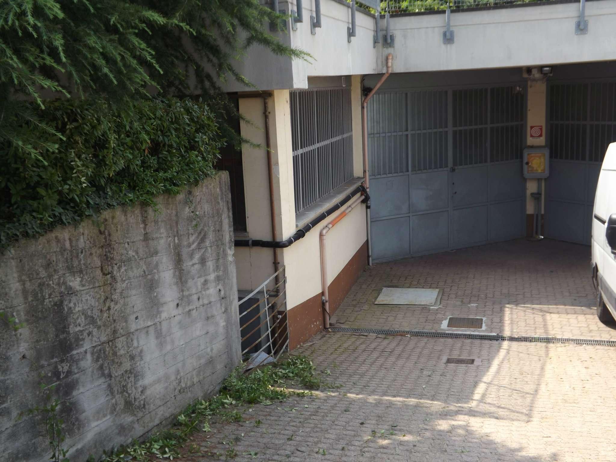 Magazzino/Laboratorio in vendita via Mongioie 13 Rivoli