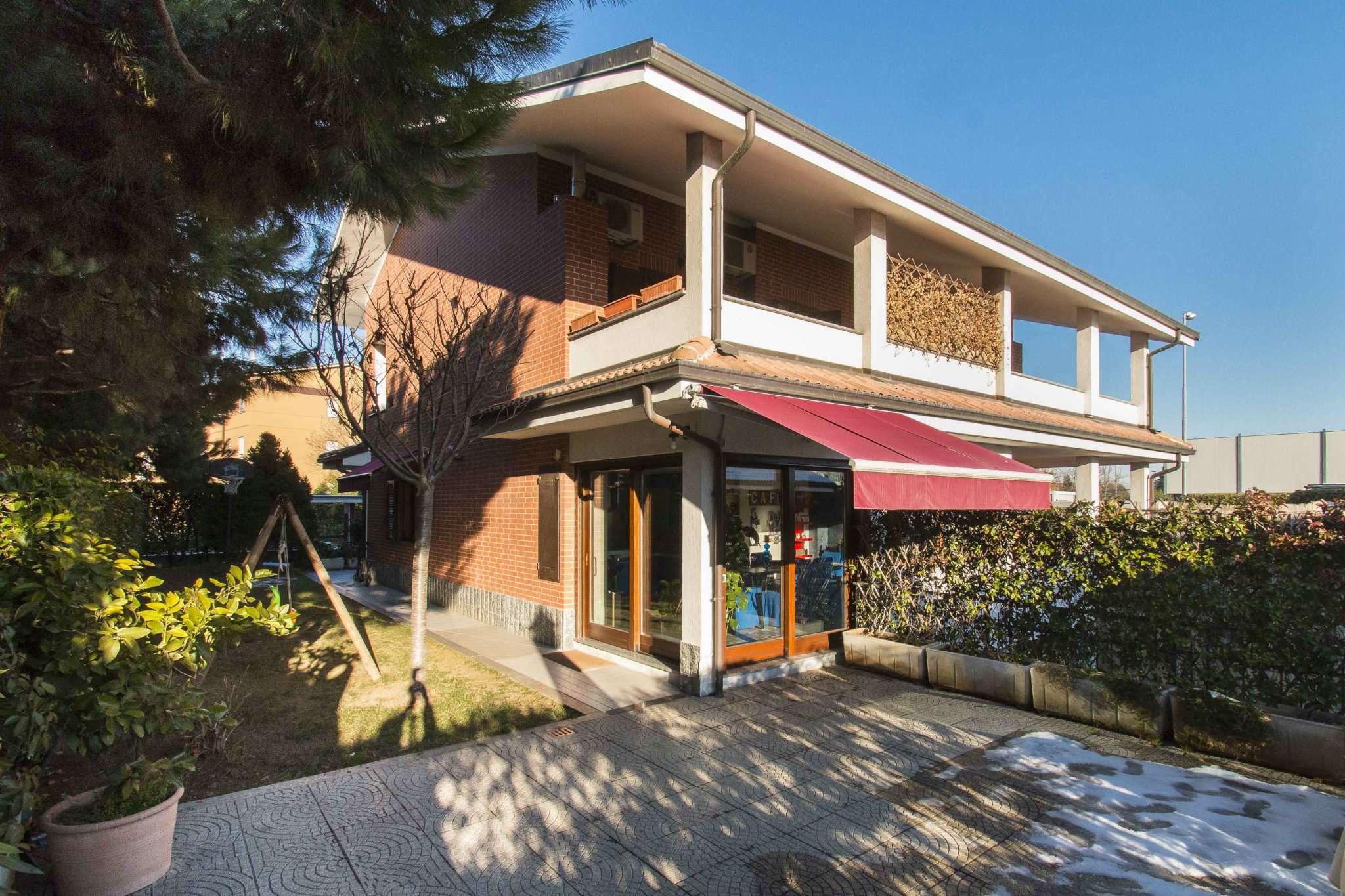 Foto 1 di Villa via Marconi 30, Rivalta Di Torino