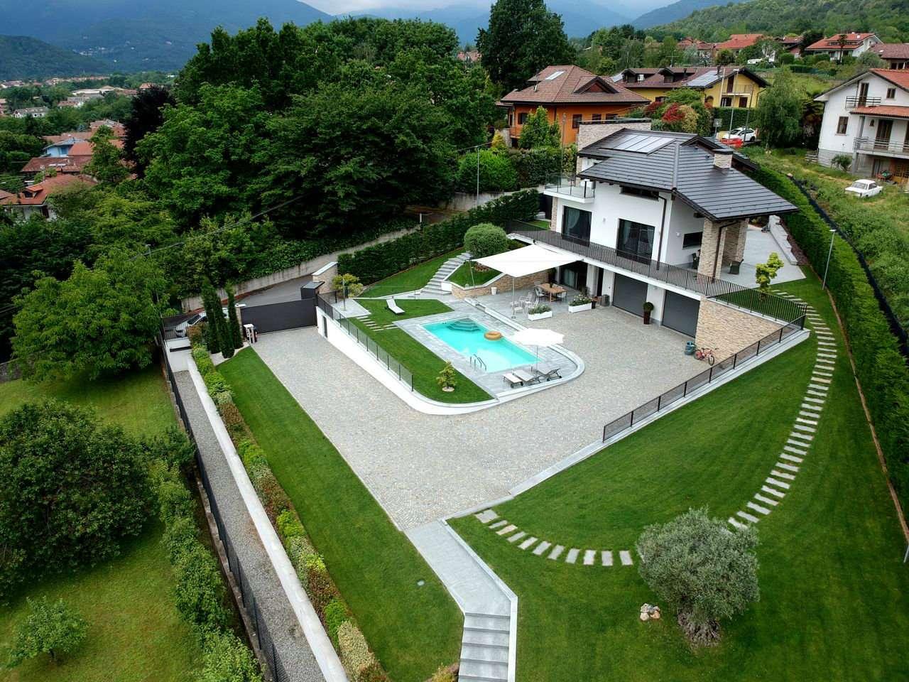 Foto 1 di Villa via Rosta  21, Giaveno