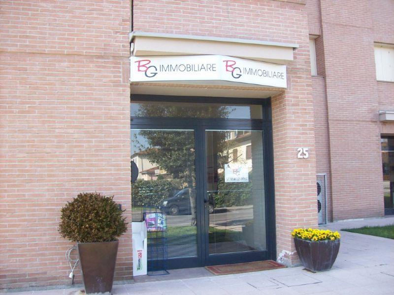 Immobile Commerciale in vendita a Agliana, 2 locali, prezzo € 1.900.000 | Cambiocasa.it