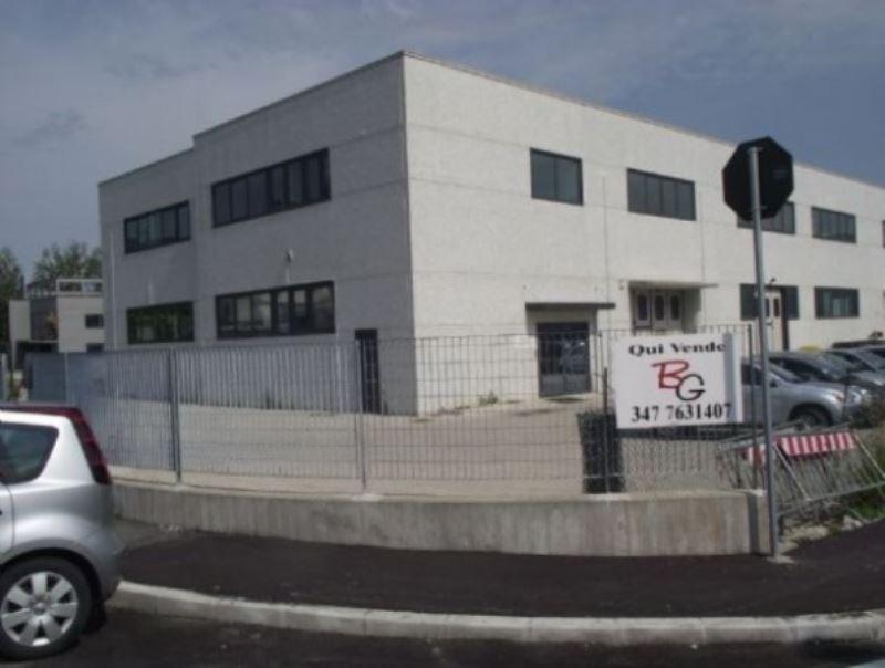 Capannone in vendita a Agliana, 1 locali, prezzo € 400.000 | Cambiocasa.it