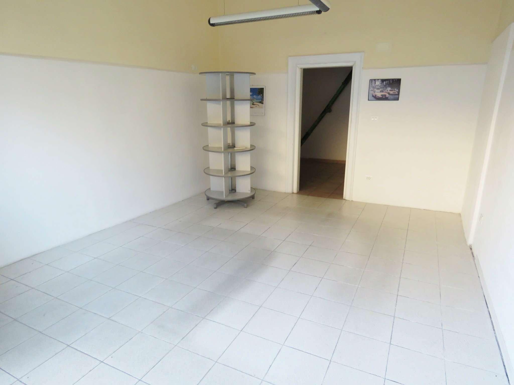 Negozio / Locale in vendita a Merano, 2 locali, prezzo € 80.000 | Cambio Casa.it