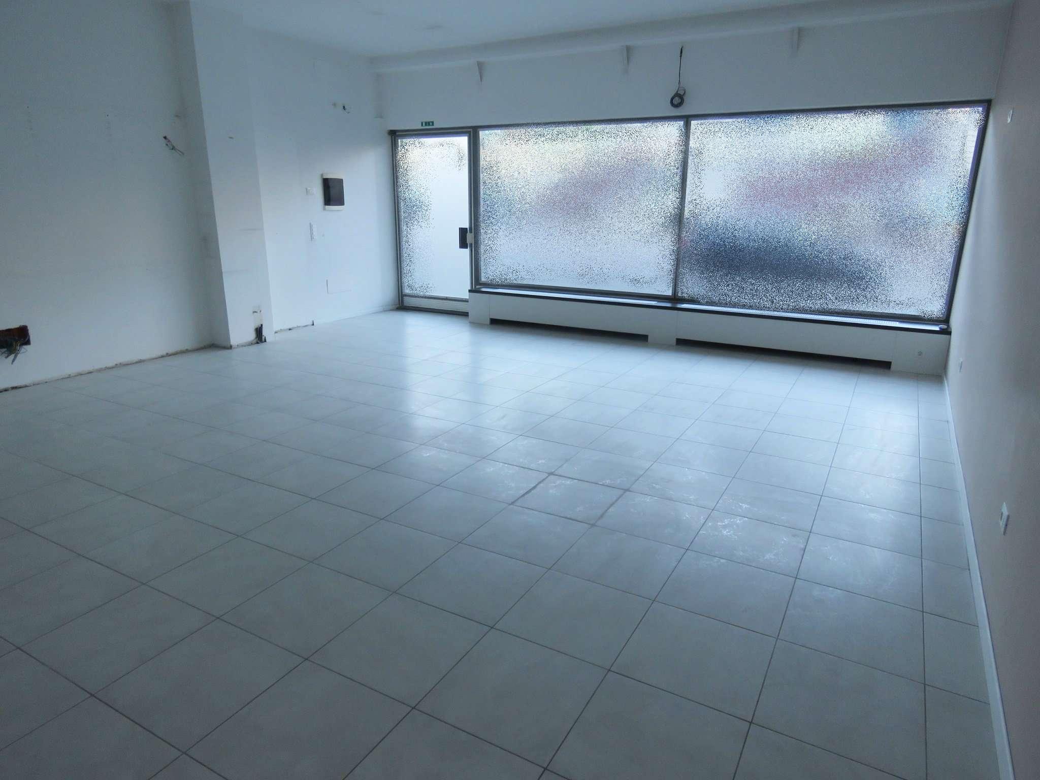 Negozio / Locale in vendita a Lana, 3 locali, prezzo € 350.000 | Cambio Casa.it
