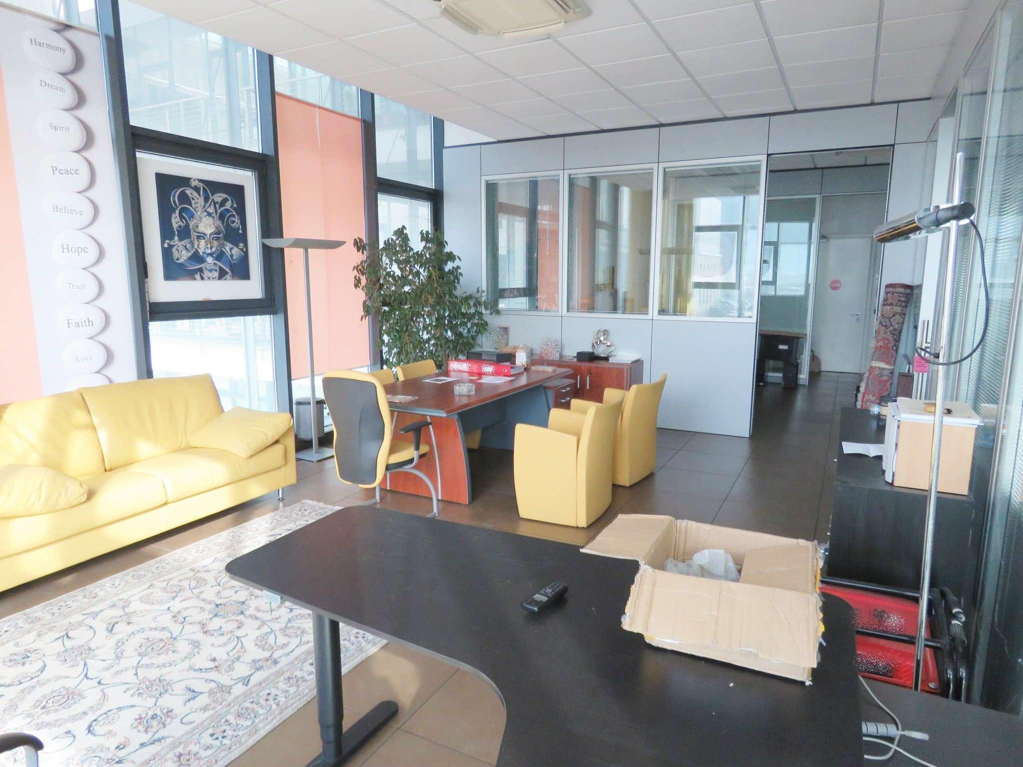 Ufficio nella zona industriale di Bolzano Rif.13983675