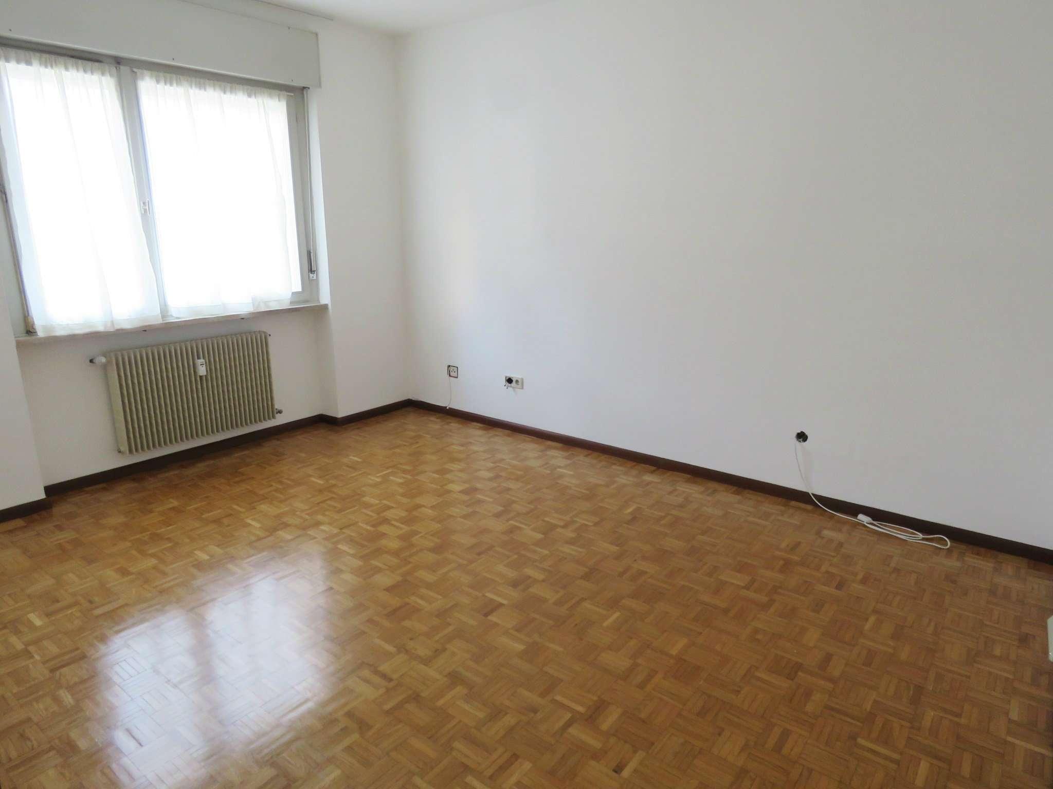 Triocale con cucina abitabile in centro Rif.13983677